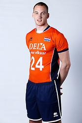 20150506 NED: Selectie Nederlands volleybal team mannen, Arnhem<br />Op Papendal werd het Nederlands team volleybal seizoen 2015-2016 gepresenteerd / Dennis Borst <br />©2015-FotoHoogendoorn.nl / Pim Waslander