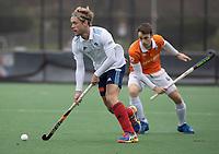 BLOEMENDAAL - Hockey.  Tim Cross (Tilburg)  Bloemendaal HI-Tilburg HI, oefenwedstrijd.    COPYRIGHT  KOEN SUYK