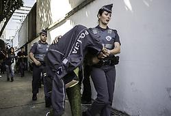 September 2, 2017 - Testemunha do caso de violência sexual é conduzida para fora da delegacia na manhã deste sábado. No 78 DP, nos Jardins. (Credit Image: © Bruno Rocha/Fotoarena via ZUMA Press)