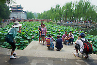 Chine, Pekin, touristes chinois au Palais d'été // China, Beijing, local tourist at the Summer Palace