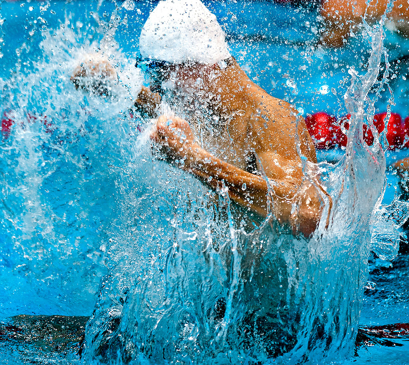 Engeland, Londen, 04-08-2012.<br /> Olympische Spelen.<br /> Zwemmen, Mannen, 1500 meter vrije slag.<br /> Sun Yang uit China gaat helemaal los nadat hij goud heeft gewonnen. Sun Yang maakte eerst een false start maar werd niet gediskwalificeerd.<br /> Foto : Klaas Jan van der Weij