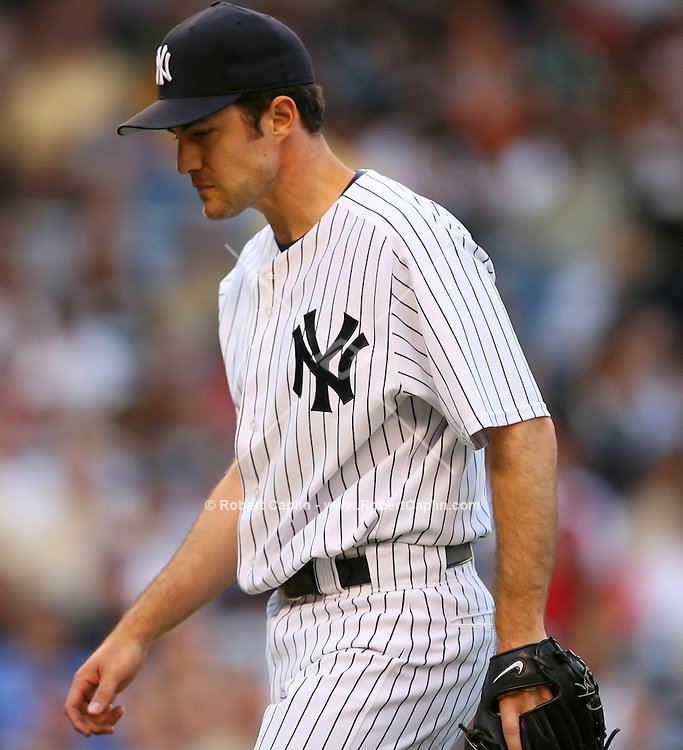 Opening pitcher Mike Mussina during the Subway Series between the New York Mets and the New York Yankees at Yankees Stadium, Friday, June 30, 2006... (Robert Caplin For the New York Times)..