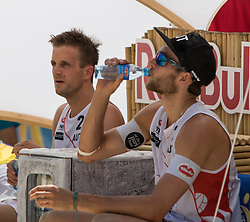 29.07.2016, Strandbad, Klagenfurt, AUT, FIVB World Tour, Beachvolleyball Major Series, Klagenfurt, Herren, im Bild Robin Seidl (1, AUT), Alexander Huber (2, AUT) // during the FIVB World Tour Major Series Tournament at the Strandbad in Klagenfurt, Austria on 2016/07/29. EXPA Pictures © 2016, PhotoCredit: EXPA/ Lisa Steinthaler