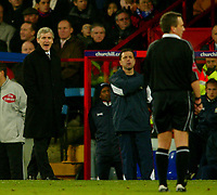 Fotball<br /> Premier League England 2004/2005<br /> Foto: BPI/Digitalsport<br /> NORWAY ONLY<br /> <br /> Crystal Palace v Blackburn Rovers<br /> 11/12/2004<br /> <br /> Blackburn manager, Mark Hughes, argues with referee, Alan Wiley after he showed the red card to David Thompson