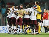 Photo: AF Wrofoto/Sportsbeat Images.<br />Sparta Prague v Arsenal. UEFA Champions League Qualifying. 15/08/2007.<br />Players of  Arsenal celebrate at full time