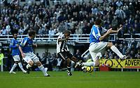Photo: Andrew Unwin.<br />Newcastle Utd v Birmingham City. The Barclays Premiership. 05/11/2005.<br />Newcastle's Charles N'Zogbia (C) takes a shot on goal.