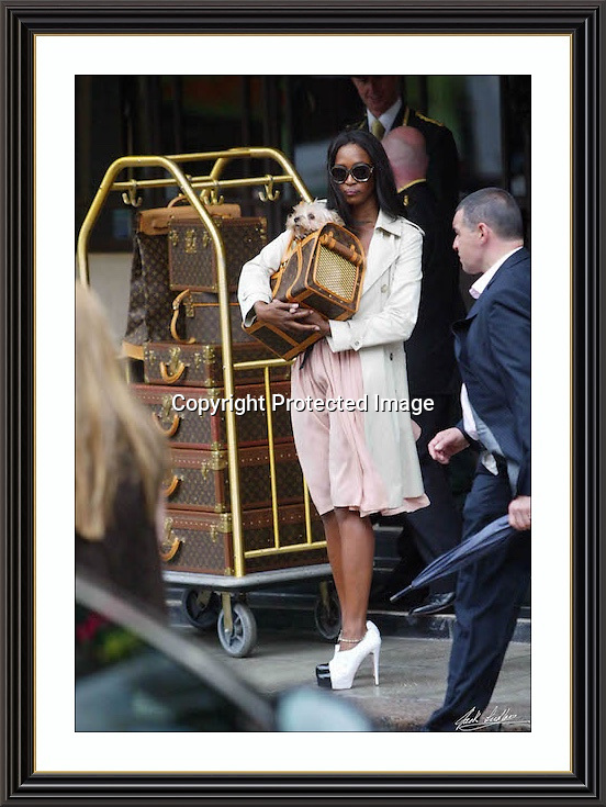 NAOMI CAMBELL DORCHESTER HOTEL 2007, A2 Museum-quality Archival signed Framed Print