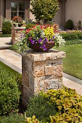 40577_Gretna_Flower_Pot_1_F.jpg