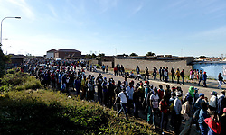 South Africa - Coronavirus - Pretoria - 02 May 2020. Olievenhoutbosch residents queuing for food parcels.<br /> Picture: Oupa Mokoena/African News Agency (ANA) Reports say that 20 000 people queued to receive food parcels.