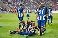 BILDET INNGÅR IKEK I FASTAVTALER. ALL NEDLASTING BLIR FAKTURERT.<br /> <br /> Fotball<br /> Tyskland<br /> Foto: imago/Digitalsport<br /> NORWAY ONLY<br /> <br /> Berlin, Deutschland, 28.08.2016: Fußball 1. Bundesliga Saison 2016/2017 - Hertha BSC - SC Freiburg. Tor 2:1. Torschütze / Torschuetze Julian Schieber (Hertha 16) jubelt mit Genki Haraguchi (Hertha 24), Per Ciljan Skjelbred (Hertha 3), Ronny (Hertha 12, John Anthony Brooks (Hertha 25)