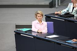 26.05.2011, Bundestag, Berlin, GER, Bundesfinanzminister Wolfgang Schäuble gibt am Freitag ab 8.30 Uhr eine Regierungserklärung zur Euro-Stabilität ab, an die sich eine Aussprache anschließt. Weitere Debatten: Gebäudesanierungen, Beziehungen zu Polen, Bund-Länder-Bildungskooperation sowie Kreislaufwirtschafts- und Abfallrecht., im Bild  Dr. Ursula von der Leyen (Bundesministerin CDU/CSU)..   EXPA Pictures © 2011, PhotoCredit: EXPA/ nph/  Hammes       ****** out of GER / SWE / CRO  / BEL ******