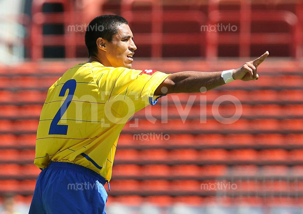 Fussball International Testspiel  Schweiz 1-3 Kolumbien Ivan Cordoba (COL) zeigt