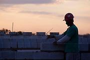 Belo Horizonte, 01 de junho de 2011..Imagens diversas de obras da empresa MRV, em canteiro no bairro Castelo. ..Foto: Bruno Magalhaes / Nitro