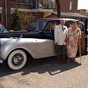 Fam. Postuma - de Ark Huizen opgehaald Abbert 26 limousine 50 jarig huwelijk