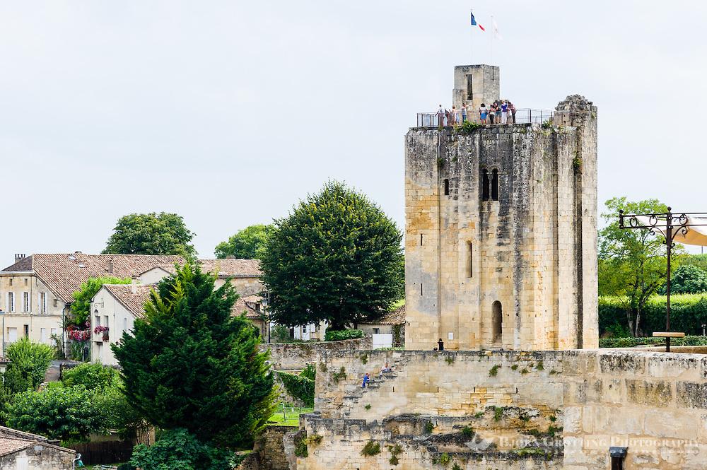 France, Saint-Émilion. Le donjon du Roi Saint Emilion.