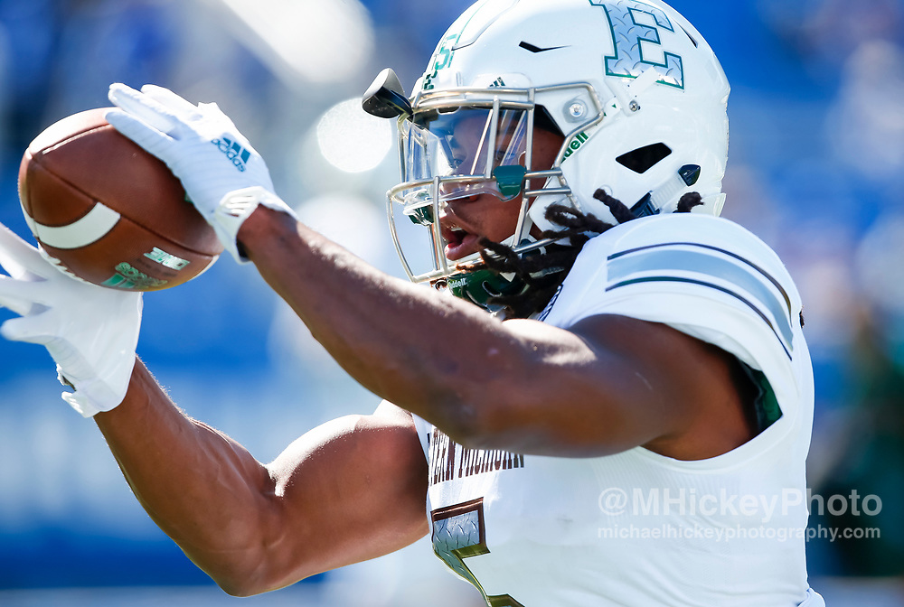 LEXINGTON, KY - SEPTEMBER 30: Shaq Vann #5 of the Eastern Michigan Eagles catches a ball during warmups before the game against the Kentucky Wildcats at Commonwealth Stadium on September 30, 2017 in Lexington, Kentucky. (Photo by Michael Hickey/Getty Images) *** Local Caption *** Shaq Vann