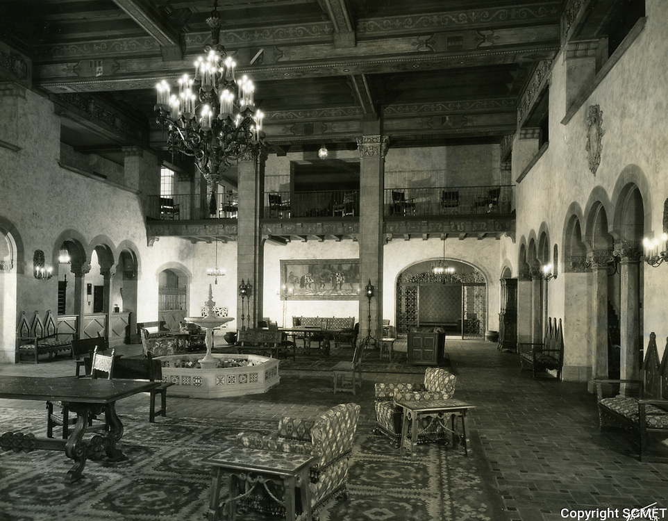 1928 The Lobby of Roosevelt Hotel