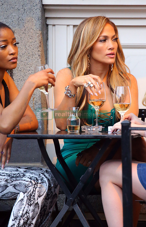 April 26, 2019 - New York, New York, United States - Actors Keke Palmer (L) and Jennifer Lopez was on the Manhattan set of the new TV show 'Hustlers' on April 25 2019 in New York City  (Credit Image: © Mike Reed/Ace Pictures via ZUMA Press)