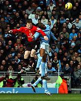 Fotball<br /> Premier League 2004/05<br /> Manchester City v Manchester United<br /> 13. februar 2005<br /> Foto: Digitalsport<br /> NORWAY ONLY<br /> Sylvain Distin Manchester City/Wayne Rooney Mancherser United