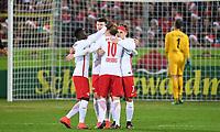 Fotball<br /> Tyskland<br /> Foto: Witters/Digitalsport<br /> NORWAY ONLY<br /> <br /> 1:4 Jubel v.l. Naby Keita, Oliver Jasen Burke, Emil Forsberg, Torschuetze Marcel Sabitzer<br /> Freiburg, 25.11.2016, Fussball, Bundesliga, SC Freiburg - RB Leipzig