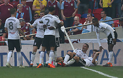 May 26, 2018 - London, Greater London, United Kingdom - Fulham's Tom Cairney celebrates scoring his sides first goal .during the Championship Play-Off Final match between Fulham and Aston Villa at Wembley, London, England on 26 May 2018. (Credit Image: © Kieran Galvin/NurPhoto via ZUMA Press)