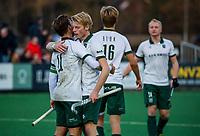 BLOEMENDAAL - Jochem Bakker (Rdam) met Jeroen Hertzberger (Rdam) na  hoofdklasse competitiewedstrijd  heren , Bloemendaal-Rotterdam (1-1) . COPYRIGHT KOEN SUYK