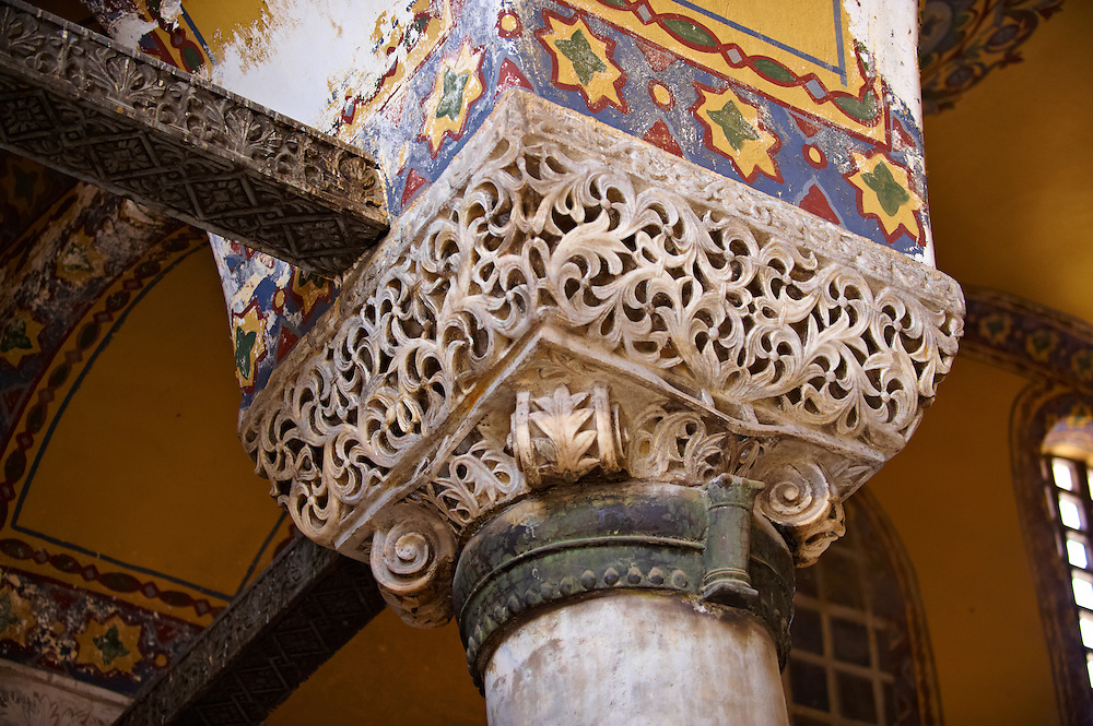 Ornate Byzantine column capital in the Hagia Sophia ( Ayasofya ) , Istanbul, Turkey .<br /> <br /> If you prefer to buy from our ALAMY PHOTO LIBRARY  Collection visit : https://www.alamy.com/portfolio/paul-williams-funkystock/istanbul.html<br /> <br /> Visit our TURKEY PHOTO COLLECTIONS for more photos to download or buy as wall art prints https://funkystock.photoshelter.com/gallery-collection/3f-Pictures-of-Turkey-Turkey-Photos-Images-Fotos/C0000U.hJWkZxAbg