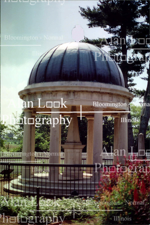 2001 September:  Andrew Jacksons tomb at the Hermitage, Nashville Tennessee...This image was scanned from a print.  Image quality may vary.  Dust and other unwanted artifacts may exist.