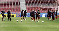 GEPA-0706085968 - KLAGENFURT,AUSTRIA,07.JUN.08 - FUSSBALL - UEFA Europameisterschaft, Vorbereitung auf die EURO 2008, Nationalteam Polen, Abschlusstraining. Bild zeigt die Mannschaft von Polen.<br />Foto: GEPA pictures/ Oskar Hoeher