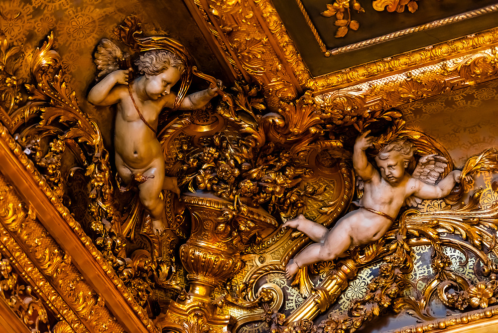 Cherubs on intricate ceiling of the Grand Salon, Apartments of  Napoleon III, Louvre Museum, Paris, France.