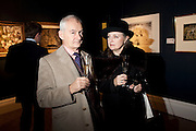 JON MOYNIHAN; PATRICIA UNDERWOOD, Preview of  Lord and Lady Attenborough art works  at SothebyÕs. Donation from the evening to be made to RADA. New Bond St. London. 9 November 2009<br /> JON MOYNIHAN; PATRICIA UNDERWOOD, Preview of  Lord and Lady Attenborough art works  at Sotheby's. Donation from the evening to be made to RADA. New Bond St. London. 9 November 2009