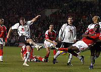 Photo: Olly Greenwood.<br />Charlton Athletic v Fulham. The Barclays Premiership. 27/12/2006. Fulham's Franck Queudrue scores the equalizing goal