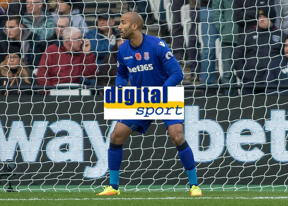 Football - 2016 / 2017 Premier League - West Ham United vs. Stoke City<br /> <br /> <br /> Lee Grant of Stoke City at The London Stadium.<br /> <br /> COLORSPORT/DANIEL BEARHAM