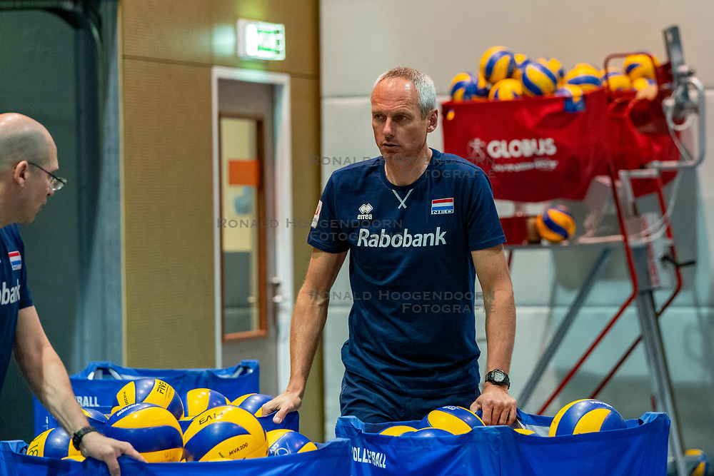 07-05-2019 NED: Press moment national volleyball team Men, Arnhem<br /> Roberto Piazza, the new national coach of the Dutch men's team, gives an overview of the group matches of the Golden European League, the OKT and the European Championship played in their own country / Henk Jan Held