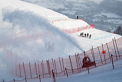 17.01.2017, Hahnenkamm, Kitzbühel, AUT, FIS Weltcup Ski Alpin, Kitzbuehel, Abfahrt, Herren, Streckenbesichtigung, im Bild Arbeiten am Oberhausberg // workers on Oberhausberg during the course inspection for the men's downhill of FIS Ski Alpine World Cup at the Hahnenkamm in Kitzbühel, Austria on 2017/01/17. EXPA Pictures © 2017, PhotoCredit: EXPA/ Johann Groder