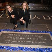 NLD/Amsterdam/20180201 - Onthulling gedenksteen Hella S. Haasse in de Nieuwe Kerk, Merel en Alissa van den Berg