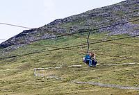 FORT WILLIAM - Per kabelbaan op de Ben Nevis, hoogste berg van Groot-Brittannië ... Hier ligt ook het enige 'lake' van Schotland, het Lake of Menteith . COPYRIGHT KOEN SUYK
