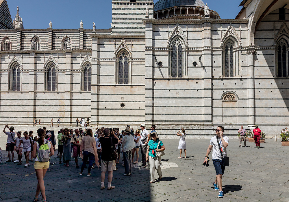 Italy, Siena, the Palio: daily life in the contradas, waiting for the final race, the Duomo