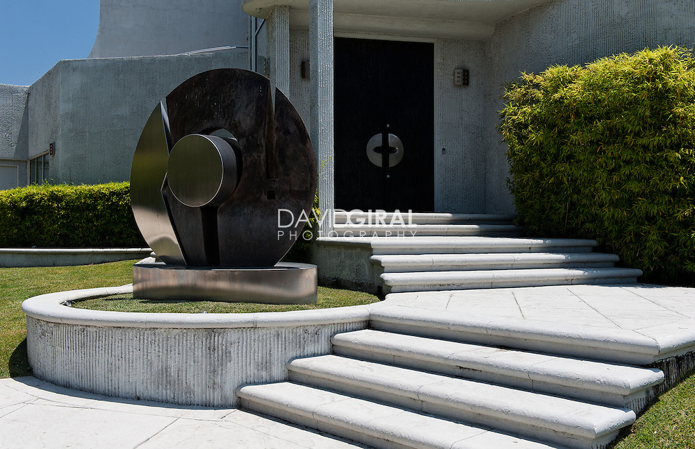 Residential Architecture Photography: contemporary house, luxury Villa at 1 Electra Court, Hollywood Hills, Los Angeles, California, USA