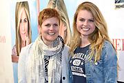 RTL Sneak Preview Premiere van Mother's Day<br /> in de Vue bioscoop,  Hilversum.<br /> <br /> Op de foto:  Britt Scholte met haar moeder