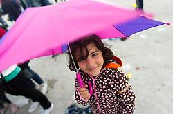 05.09.2015, Grenzbereich, Nickelsdorf, AUT, Flüchtlinge in Österreich angekommen, im Bild TEXT // refugees arriving austria in Nickelsdorf on 2015/09/05, EXPA Pictures © 2015, PhotoCredit: EXPA/ Michael Gruber