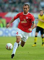 Fotball<br /> Tyskland<br /> 31.10.2010<br /> Foto: Witters/Digitalsport<br /> NORWAY ONLY<br /> <br /> Nikolce Noveski (Mainz)<br /> Bundesliga, FSV Mainz 05 - Borussia Dortmund 0:2