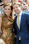 Koningsdag 2014 in Amstelveen, het vieren van de verjaardag van de koning. / Kingsday 2014 in Amstelveen, celebrating the birthday of the King. <br /> <br /> <br /> Op de foto / On the photo:  Prins Floris and Prinses Aimee / Prince Floris and Princess Aimée