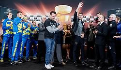 September 15, 2017 - Liverpool, England - 170915 Erik Skoglund och Callum Smith under invägningen inför Ali Trophy World Boxing Super Series den 15 september i Liverpool  (Credit Image: © K-G Z Fougstedt/Bildbyran via ZUMA Wire)
