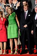 Koning Willem Alexander en Koningin Maxima in de deelstaat Hessen.<br /> <br /> King Willem Alexander and Queen Maxima in Germany / Hessen.<br /> <br /> Op de foto / n the photo: <br />  Aankomst bij het Kurhaus voor de kick off bijeenkomst van de nederlandse economische delegatie en vertegenwoordigers  van het duitse bedrijfsleven<br /> <br /> Arrival at the Kurhaus for the kick off meeting of the Dutch economic delegation and representatives of the German business