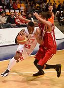 DESCRIZIONE : Desio campionato serie A 2013/14 EA7 Olimpia Milano Giorgio Tesi Group Piastoia <br /> GIOCATORE : Keith Langford<br /> CATEGORIA : palleggio penetrazione<br /> SQUADRA : EA7 Olimpia Milano<br /> EVENTO : Campionato serie A 2013/14<br /> GARA : EA7 Olimpia Milano Giorgio Tesi Group Piastoia<br /> DATA : 04/11/2013<br /> SPORT : Pallacanestro <br /> AUTORE : Agenzia Ciamillo-Castoria/R. Morgano<br /> Galleria : Lega Basket A 2013-2014  <br /> Fotonotizia : Desio campionato serie A 2013/14 EA7 Olimpia Milano Giorgio Tesi Group Piastoia<br /> Predefinita :