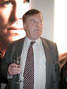 Kenneth Clarke. TRIBE ART COMMISSION / 2002 / JULIAN OPIE, dinner,  Truman Brewery. London.  16 April 2002. © Copyright Photograph by Dafydd Jones 66 Stockwell Park Rd. London SW9 0DA Tel 020 7733 0108 www.dafjones.com