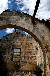 La Massaria Salinelle ubicata nell'omonima contrada, è considera una delle più grandi della campagna oritana, ormai abbandonata da tempo. All'interno diversi appartamenti in cui abitavano le famiglie che lavoravano all'interno della masseria