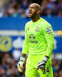 Everton's Tim Howard  - Mandatory byline: Matt McNulty/JMP - 07966386802 - 23/08/2015 - FOOTBALL - Goodison Park -Everton,England - Everton v Manchester City - Barclays Premier League