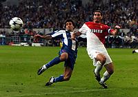 Fotball, 26. mai 2004, Champions League Finale, <br /> AS Monaco v FC Porto,<br /> Deco FC Porto/ Ludovic Giuly AS Monaco<br /> Foto: Robin Parker, Digitalsport